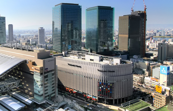 梅田 大阪駅 駐車場 画像